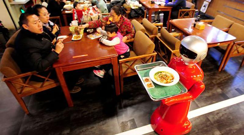 robot-chelner-restaurant-Shenyang