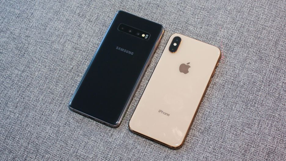 samsung galaxy S10 alaturi de Iphone X